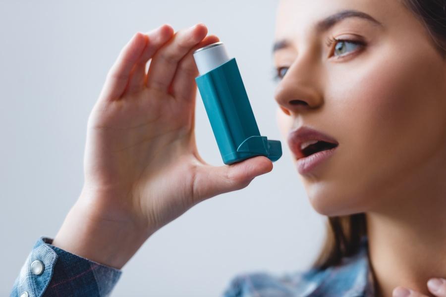 Astma oskrzelowa - przyczyny choroby, objawy i jej leczenie
