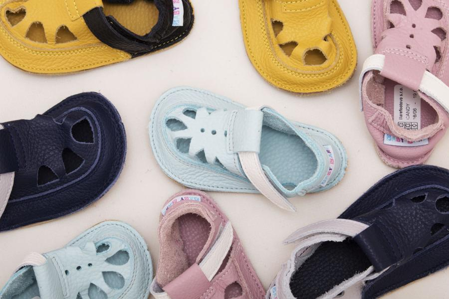 Stopa dziecka ma zbliżony kształt do trójkąta, a buty dla malucha jaki mają kształt?