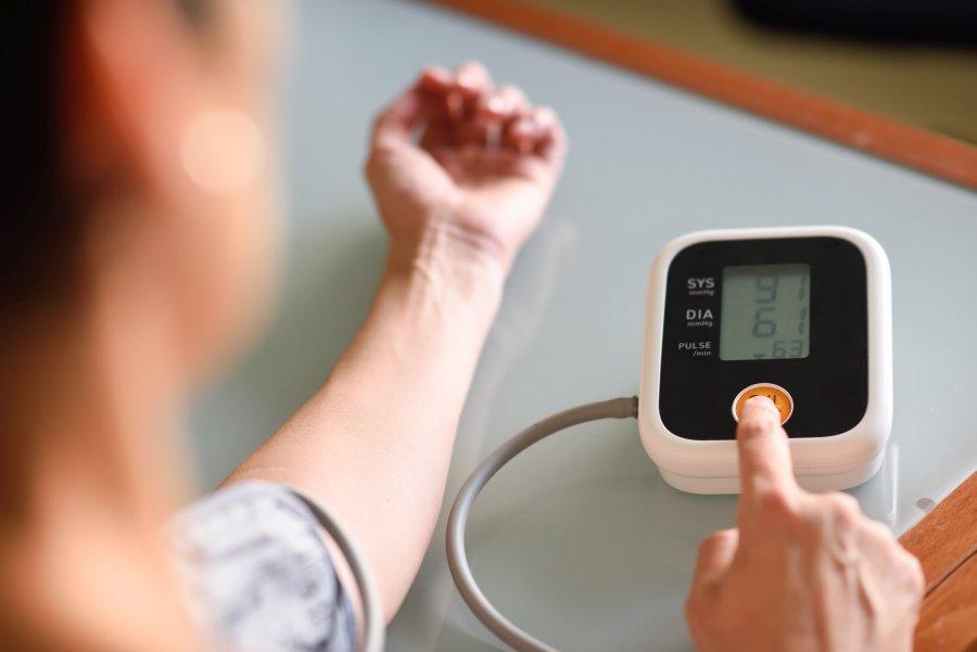 Co obniża ciśnienie? Naturalne sposoby