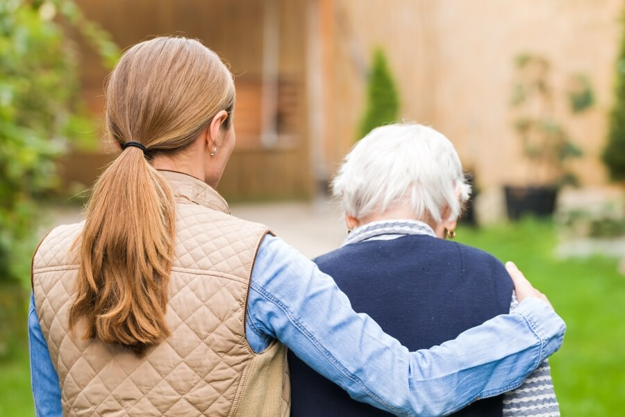 Demencja starcza - jak się objawia i jak ją leczyć?