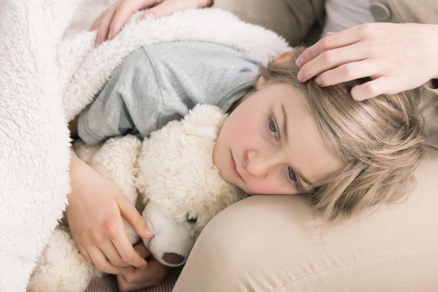 infekcja górnych dróg oddechowych u dziewczynki