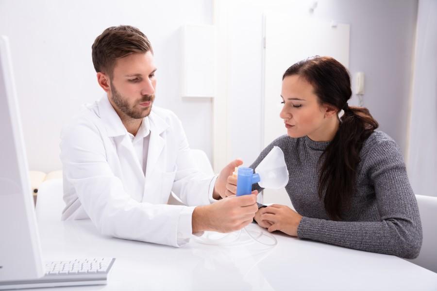 Jak przebiega leczenie astmy oskrzelowej? KtoMaLek.pl