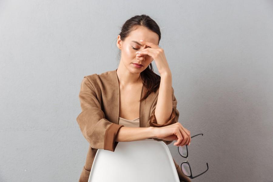 Jak radzić sobie z bólem z tyłu głowy? LekarzeBezKolejki.pl