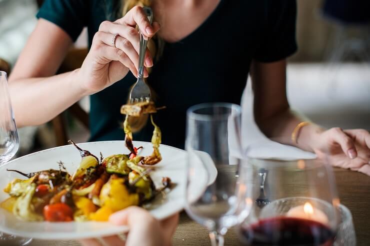 jedzenie w towarzystwie - wątroba