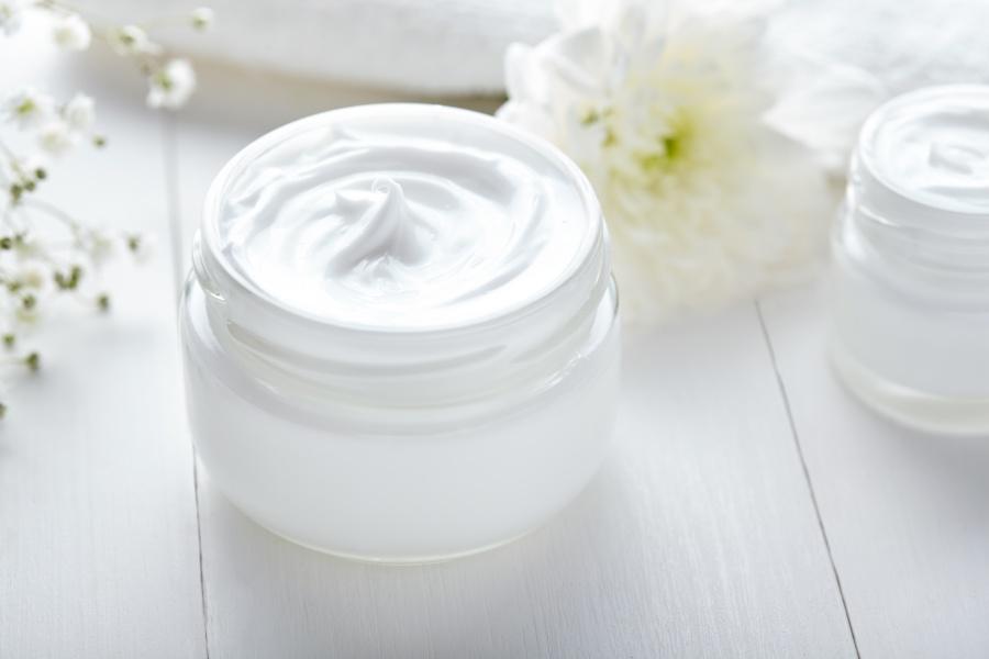 Kosmetyki naturalne – pielęgnacja prosto z natury