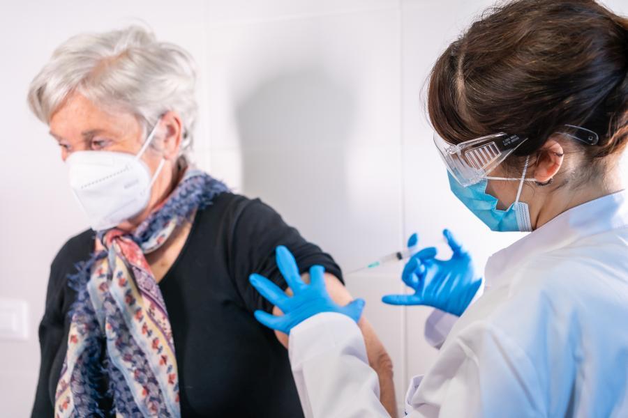 Narodowy Program Szczepień – zmiana kolejności szczepień