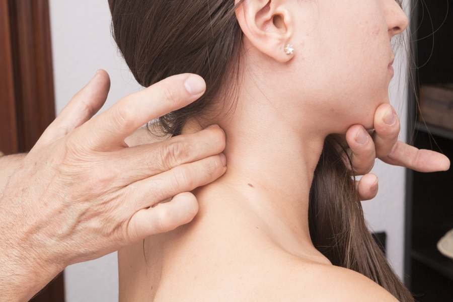 nerwobóle szyi karku i pleców