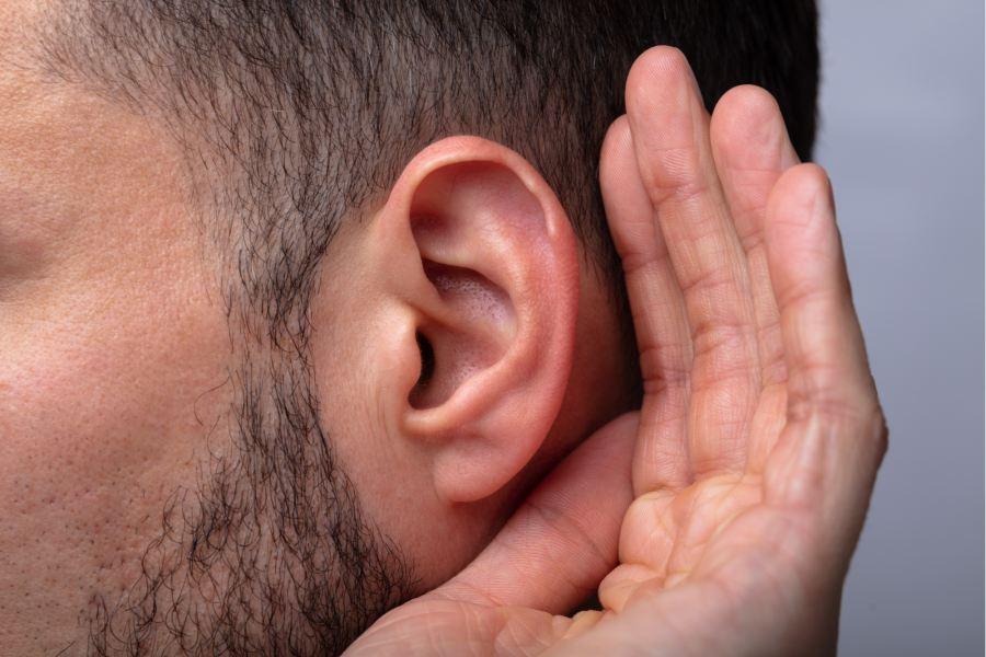 niedosłuch na jedno ucho głuchota