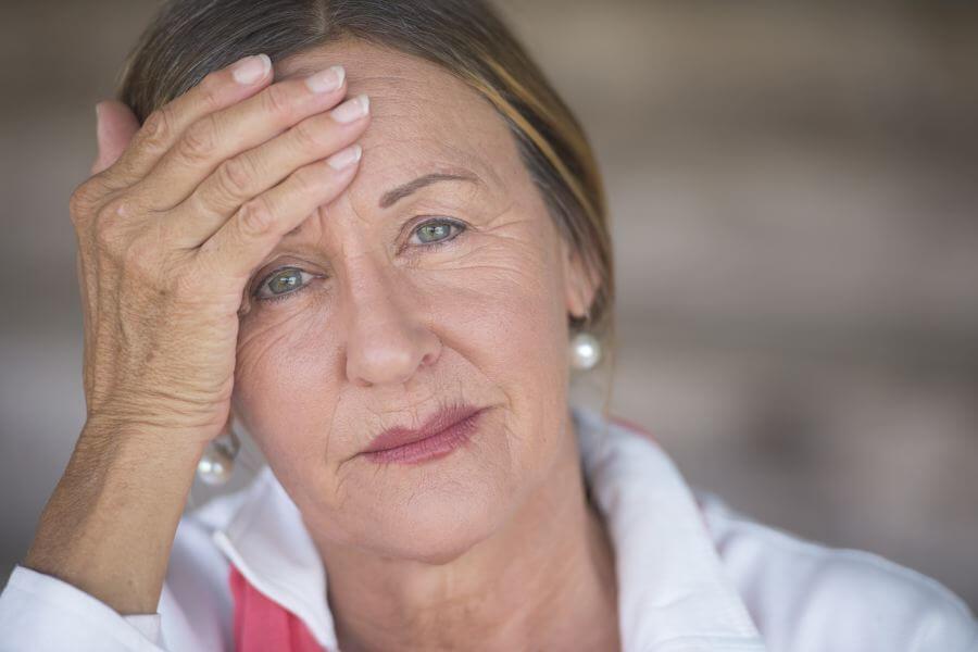 starsza kobieta menopauza