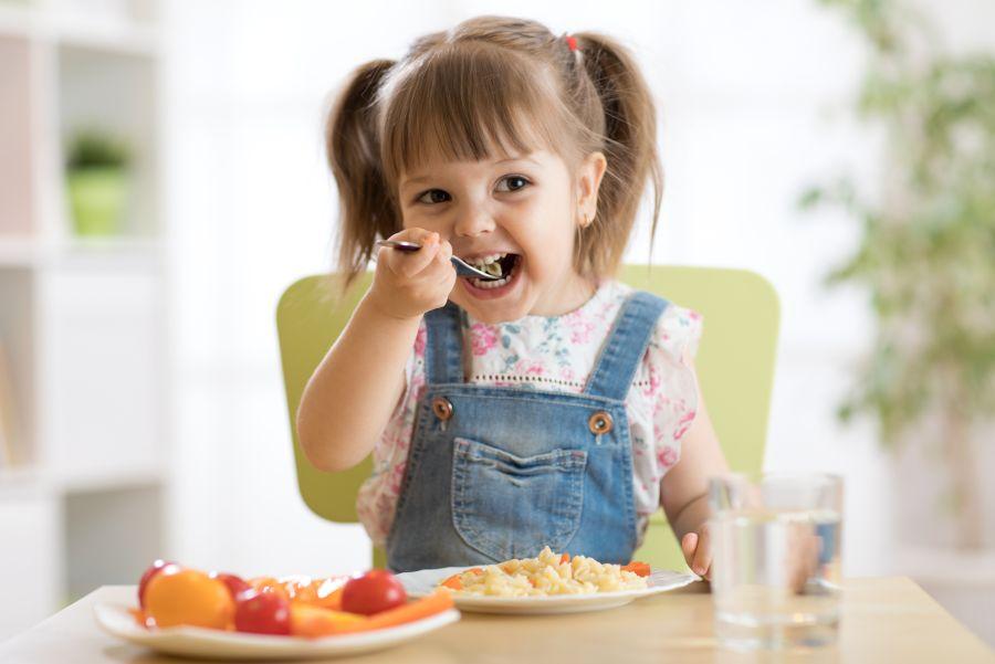 Witaminy w diecie dziecka – jak ułożyć odpowiednią dietę dla dziecka?